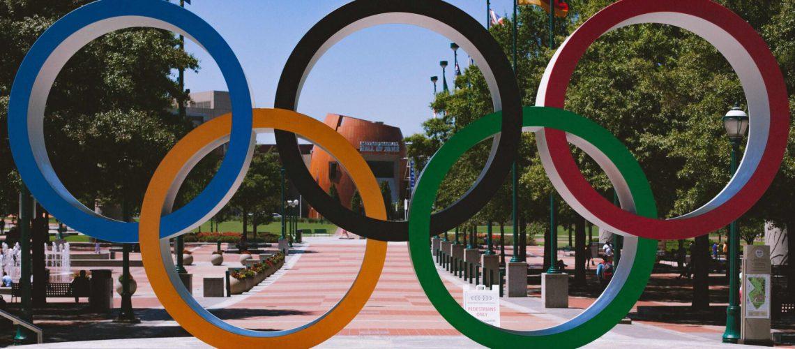 איך האולימפיאדה קשורה לעולם העסקי? כמה הדמיון והתמודדות זהים? מה ניתן ללמוד האחד מהאחר? הכל במאמר מיוחד לאולימפיאדה